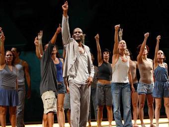 Bailarinos vão incentivar a discussão de processos criativos - Foto: Margarida Neide   Ag. A TARDE