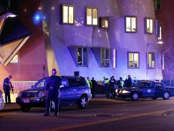 Polícia fecha o cerco aos suspeitos dos atentados em Boston. A megaoperação acontece no Massachusett - Foto: Agência Reuters