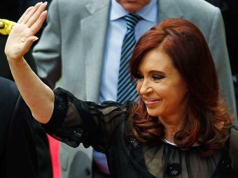Por telefone, Cristina Kirchner parabenizou Cartes - Foto: Agência Reuters