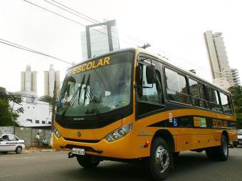 O governo federal vai comprar ainda este ano mais de 16 mil ônibus escolares - Foto: Xando Pereira | Ag. A TARDE