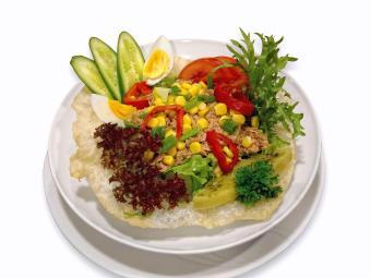 Comer bem e nos horários certos faz bem à saúde - Foto: Ilker | Divulgação