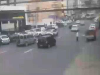 Trânsito flui normalmente na Rua Miguel Burnier, na Barra - Foto: Veja ao Vivo | Reprodução