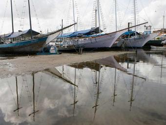 Enseado dos Tainheiros, na Ribeira, ancoradouro para embarcações - Foto: Marco Aurélio Martins | Ag. A TARDE