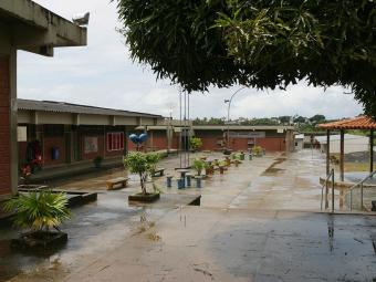 Bando invadiu colégio e levou dinheiro e celulares - Foto: Edmar Melo   Ag. A TARDE