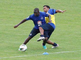 Recuperado de dores no tendão, Zé Roberto treina normalmente e pode jogar contra o Juazeiro - Foto: Eduardo Martins | Ag. A TARDE