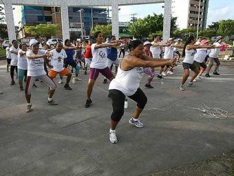 Praticar exercícios na vida adulta garante uma velhice mais saudável - Foto: Joa Souza | Ag. A TARDE