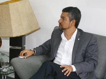 Presidente da Codevasf, Elmo Vaz (D), foi recebido pelo diretor geral André Blumberg - Foto: Luciano da Mata   Ag. A TARDE