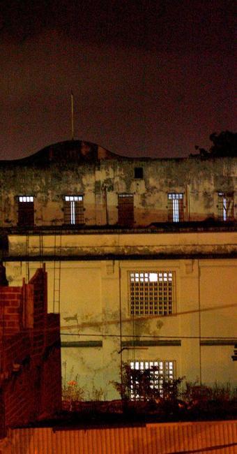Atual prédio do HCT não tem mais condições de abrigar presos - Foto: Xando Pereira | Ag. A TARDE