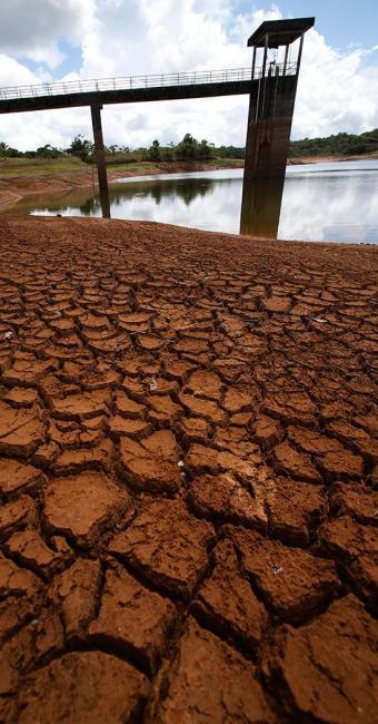 Barragem da Tapera está com apenas 16% de sua capacidade - Foto: Carlos Casaes | Ag. A TARDE