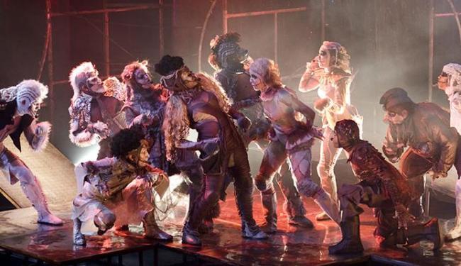 Amor Barato é um dos espetáculos que concorre ao prêmio de melhor peça teatral de 2012 - Foto: Florian Boccia | Divulgação