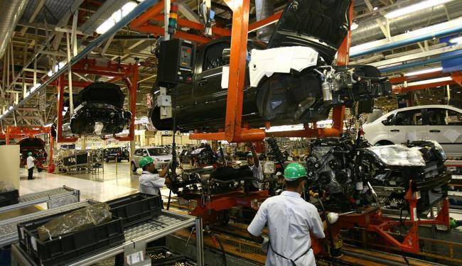 A queda na produção de veículos automotores pesou na retração - Foto: Carlos Casaes   Ag. A TARDE