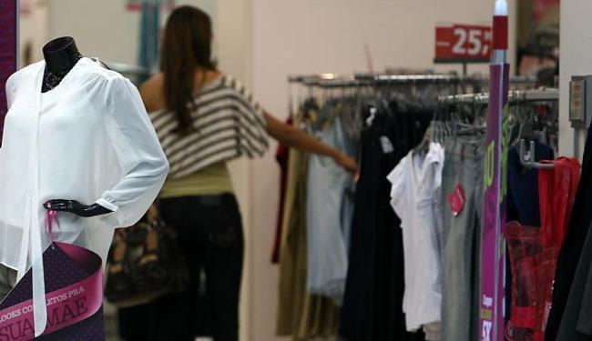 Itens de vestuário estão entre os presentes mais procurados para o Dia das Mães - Foto: Raul Spinassé   Ag. A TARDE
