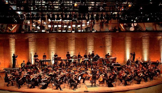A maior formação do Neojiba executará peças de Tchaikovsky, Zequinha de Abreu, entre outras - Foto: Tatiana Goisman   Divulgação