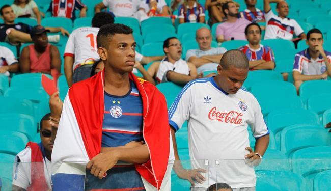Torcedor do Bahia viu seu time goleado na inauguração da Fonte Nova - Foto: Lúcio Távora | Ag. A TARDE