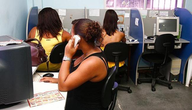 Vagas para telemarketing não exigem experiência na função - Foto: Iracema Chequer | Ag. A TARDE