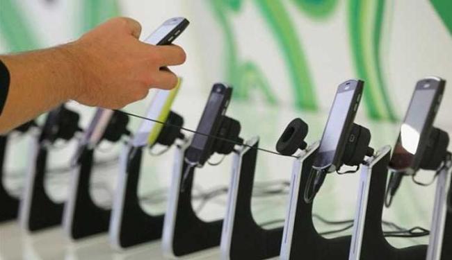 Smartphones que custam até R$ 1.500 terão a redução do PIS/Confins - Foto: Getty Images