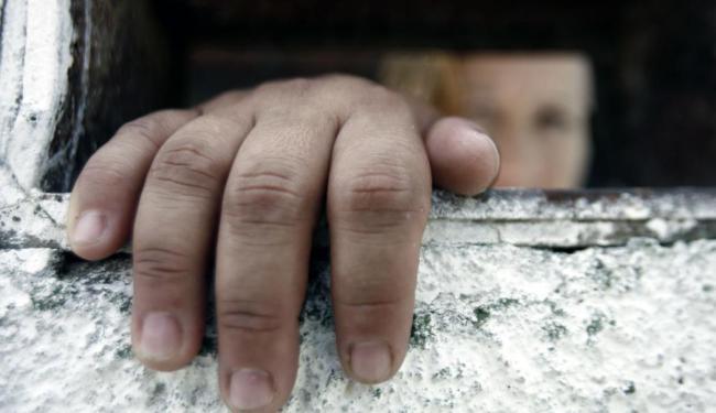 Pelo projeto, a pena prevista para os policiais omissos será de seis meses a dois anos de prisão - Foto: Luiz Tito | Ag. A TARDE
