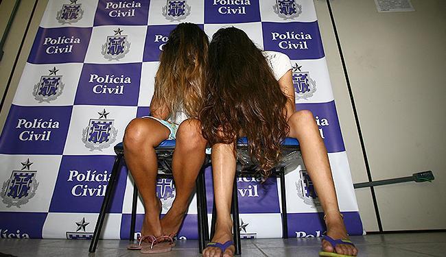 Polícia investiga se as jovens (que não têm antecedentes criminais) estão a serviço de tráfico - Foto: Fernando Amorim | Ag. A TARDE