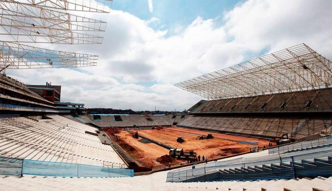 Ministro fez o balanço após visita às obras da Arena Corinthians, o Itaquerão - Foto: Agência Reuters