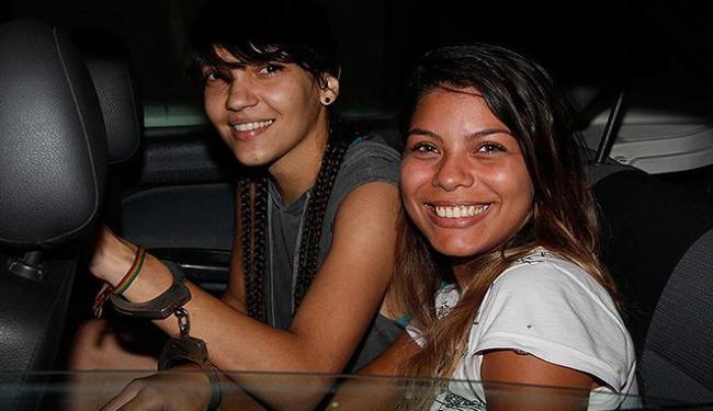 As duas jovens foram presas com um veiculo roubado - Foto: Joá Souza   Ag. A TARDE