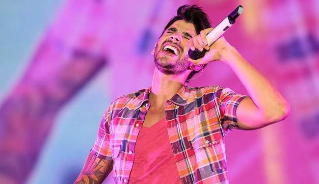 Gusttavo Lima se apresenta com base no CD ao vivo - Foto: Mila Cordeiro | Ag. A TARDE