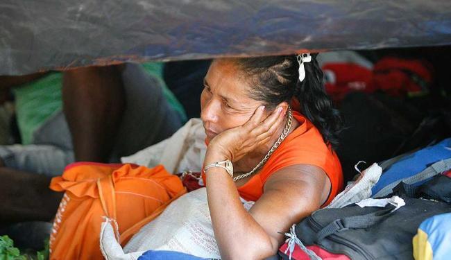 Integrantes do MST continuam acampados no CAB - Foto: Marco Aurélio Martins   Ag. A TARDE