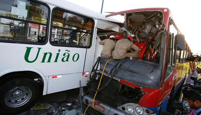 Acidente deixou quatro mortos no domingo, 14 - Foto: Marco Aurélio Martins | Ag. A TARDE