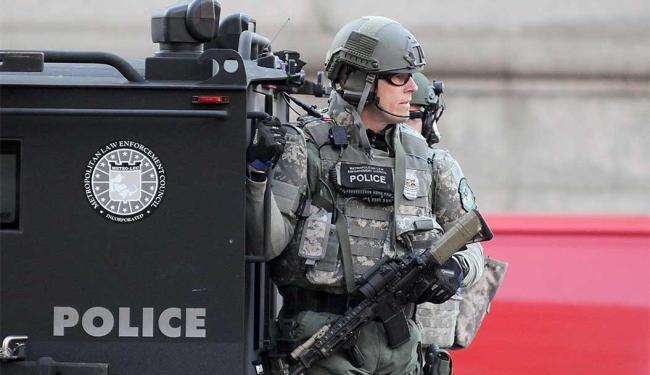 Polícia reforça segurança após explosões na maratona de Boston, nos EUA - Foto: Agência Reuters