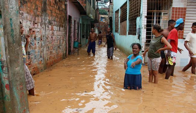 Chuva causou prejuízos em Salvador, mas trouxe esperança a várias regiões do interior do Estado - Foto: Joá Souza | Ag. A TARDE