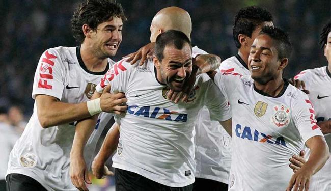 Jogadores do Corinthians celebram um dos gols feitos durante campanha positiva na Libertadores - Foto: Agência Reuters