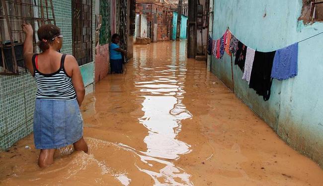 Grande volume de chuvas alagou algumas regiões de Salvador - Foto: Joá Souza | Ag. A TARDE