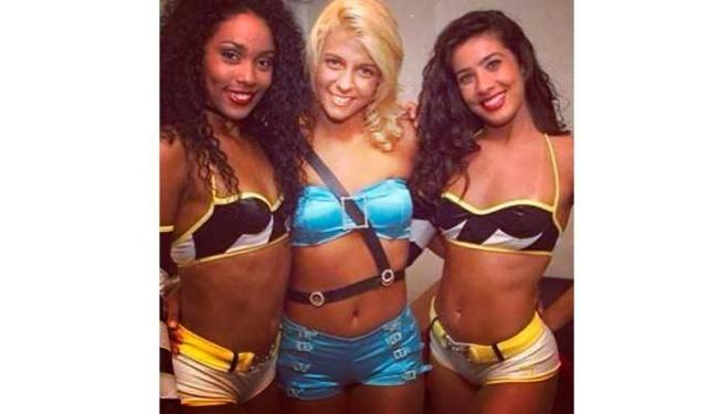 Rosiane Pinheiro, Carla Perez e Scheila Carvalho nos bastidores do Faustão - Foto: Reprodução | Instagram