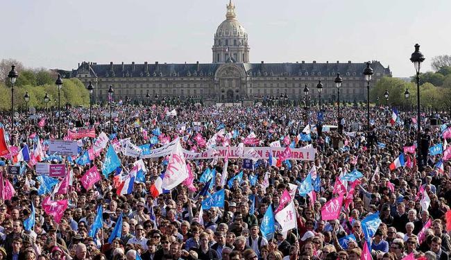 Protesto reuniu cerca de 45 mil pessoas, segunda a polícia local - Foto: Agência Reuters