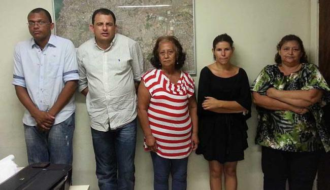 Valdete (no centro) apresentou carteira de identidade com data de nascimento de 1981 - Foto: Divulgação | Polícia Civil