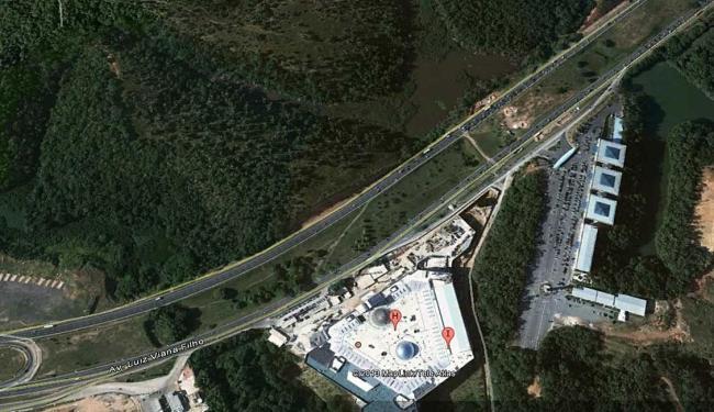 Região do Shopping Paralela, na Av. Luiz Vianna Filho - Foto: Google Earth