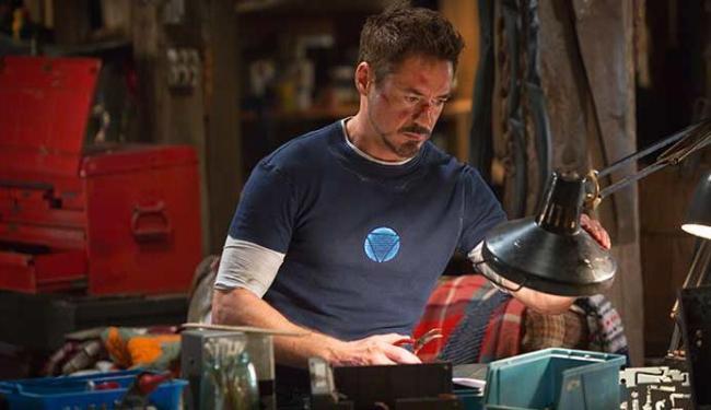 Tony Stark vai precisar usar mais a inteligência e menos armadura na terceira aventura do super-heró - Foto: Divulgação