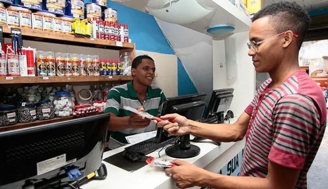 Após abrir loja, Jônatas percebeu a necessidade de investir em qualificação - Foto: Mila Cordeiro | Ag. A TARDE
