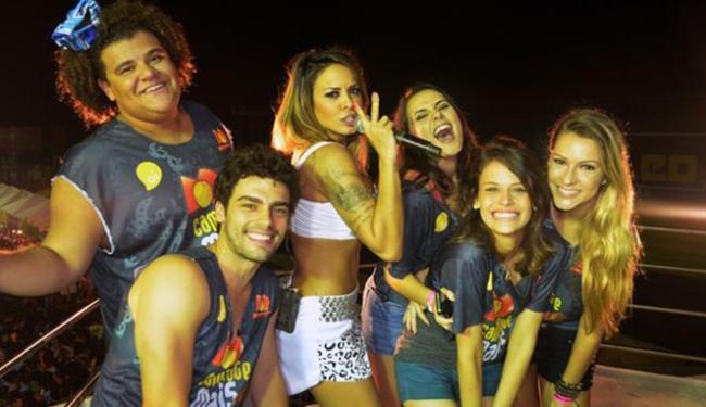 A líder do Cheiro de Amor recebeu alguns convidados em seu trio - Foto: Natally Andressa | Divulgação