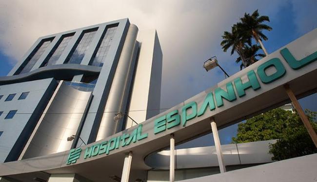 Moderno prédio anexo à tradicional instituição de saúde é apontado como um dos vilões da crise - Foto: Raul Spinassé   Ag. A TARDE