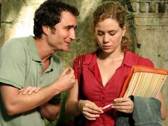 João Miguel (Edgar) e Leandra Leal (Ritinha) em cena de