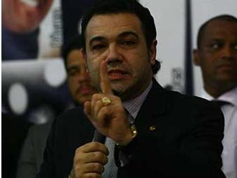 Governo também reagiu contra a decisão de Feliciano de colocar o projeto em votação - Foto: Joá Souza e Fernando Amorim | Ag. A TARDE