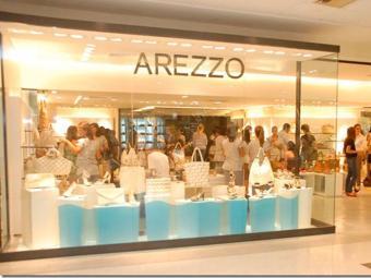 Empresa atua no setor de calçados, bolsas e acessórios femininos - Foto: Arezzo | Divulgação