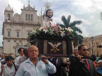 Imagem do patrono de Salvador foi levada em procissão - Foto: Edilson Lima | Ag. A TARDE