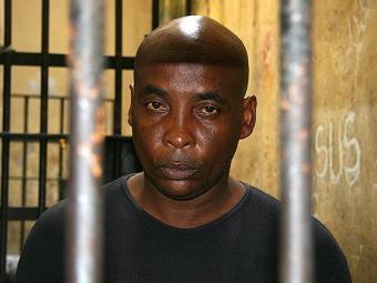 Jorge Luis O. da Silva foi preso por porte ilegal de arma - Foto: Rodrigo Meneses   Ag. A TARDE