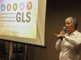 Marta Chiesa, da Abrat, apresentou números do turismo para o segmento LGBT - Foto: Genilson Coutinho | Divulgação