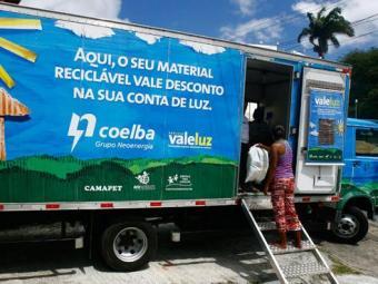 Projeto da Coelba beneficia 10 bairros com o Vale Luz - Foto: Mila Cordeiro | Agência A TARDE