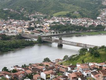 Separada pela ponte dom Pedro II de São Félix, Cachoeira teve papel importante no 2 de Julho - Foto: Mila Cordeiro   Ag. A TARDE