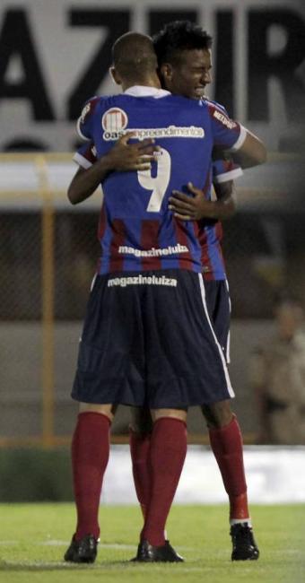 Talisca marcou o único gol Tricolor, suficiente para garantir o triunfo e a vaga à final do Baianão - Foto: Eduardo Martins   Ag. A TARDE