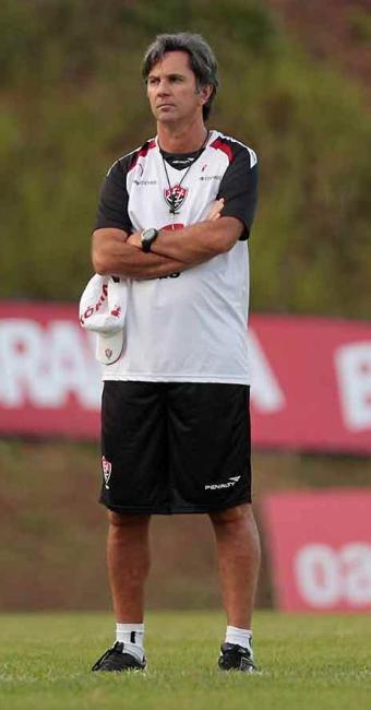 Sem Nino Paraíba, Mansur e Luís Alberto, todos no DM, Caio Júnior comanda treino de finalização - Foto: Eduardo Martins | Ag. A TARDE
