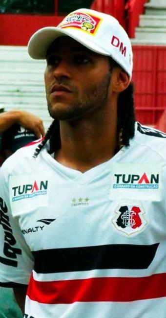 Além do Náutico e do Sport, Vitória também estaria na briga por Dênis Marques, do Santa Cruz - Foto: Jamil Gomes   Site oficial do Santa Cruz